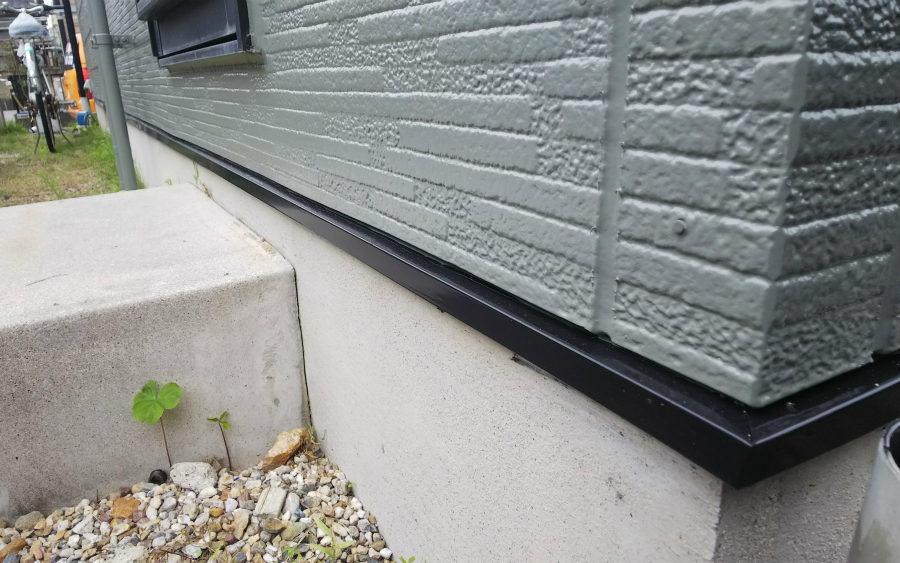 愛知県の外壁塗装工事の水切りの塗装後の写真
