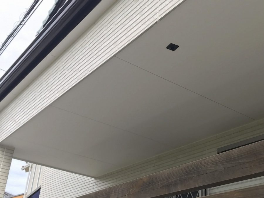 愛知県の外壁塗装工事の軒天の塗装後の写真